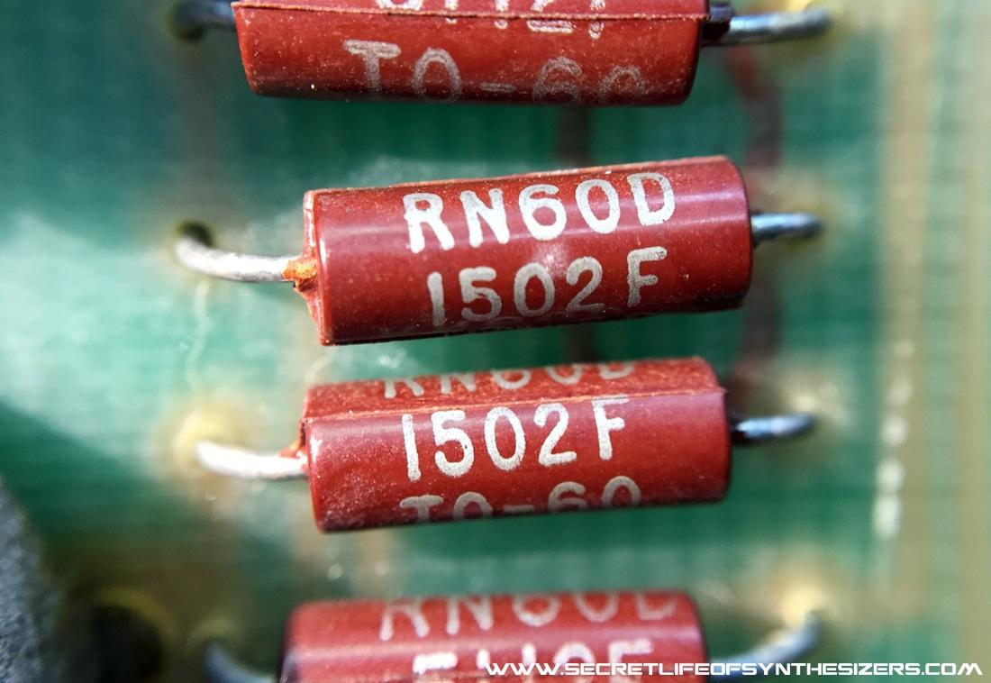 Minimoog oscillator summing resistors