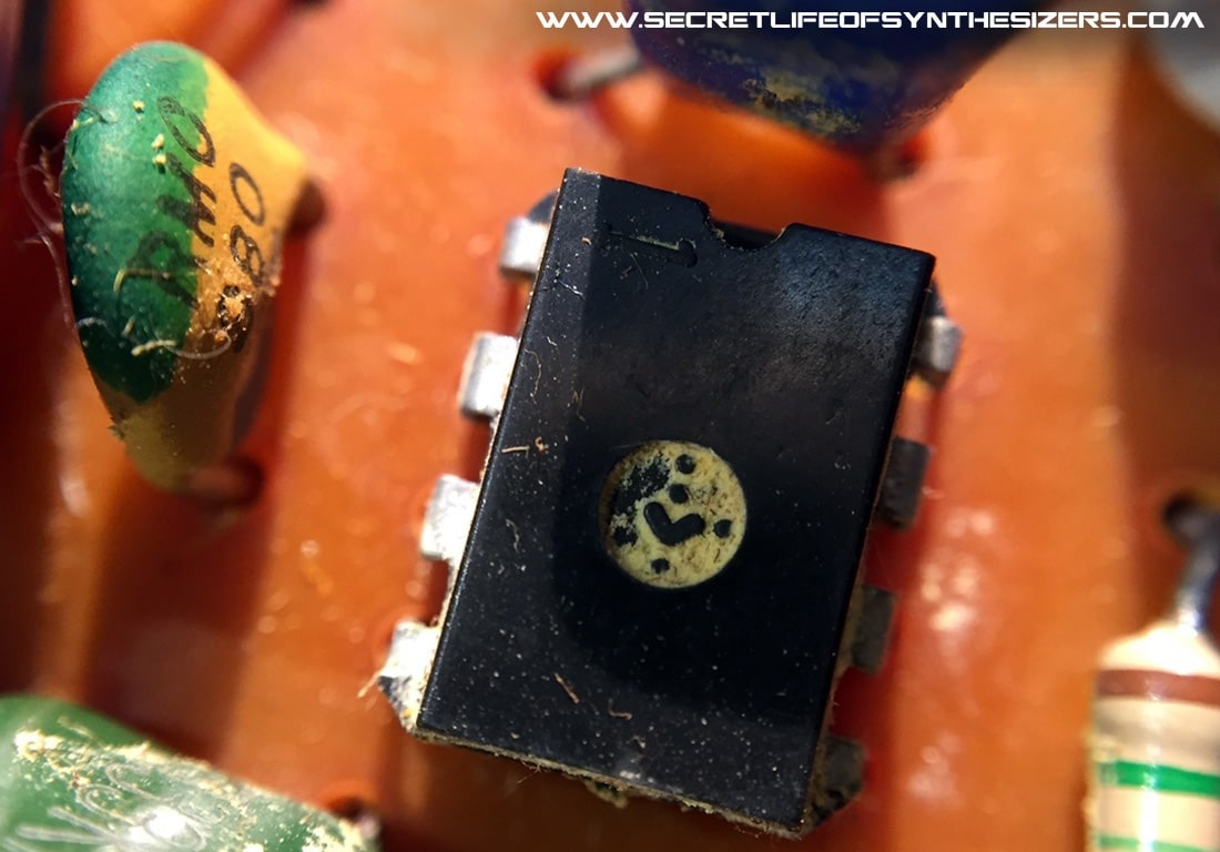 EH Mini-Synthesizer scrubbed op-amp