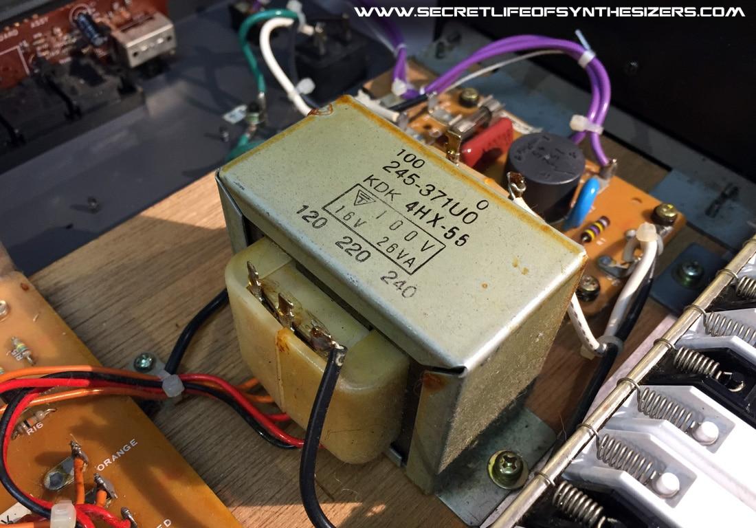 Roland Juno-106 mains transformer