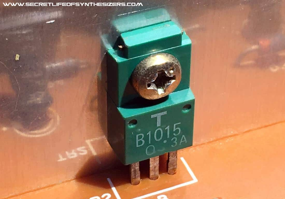 Roland Juno-106 power transistor