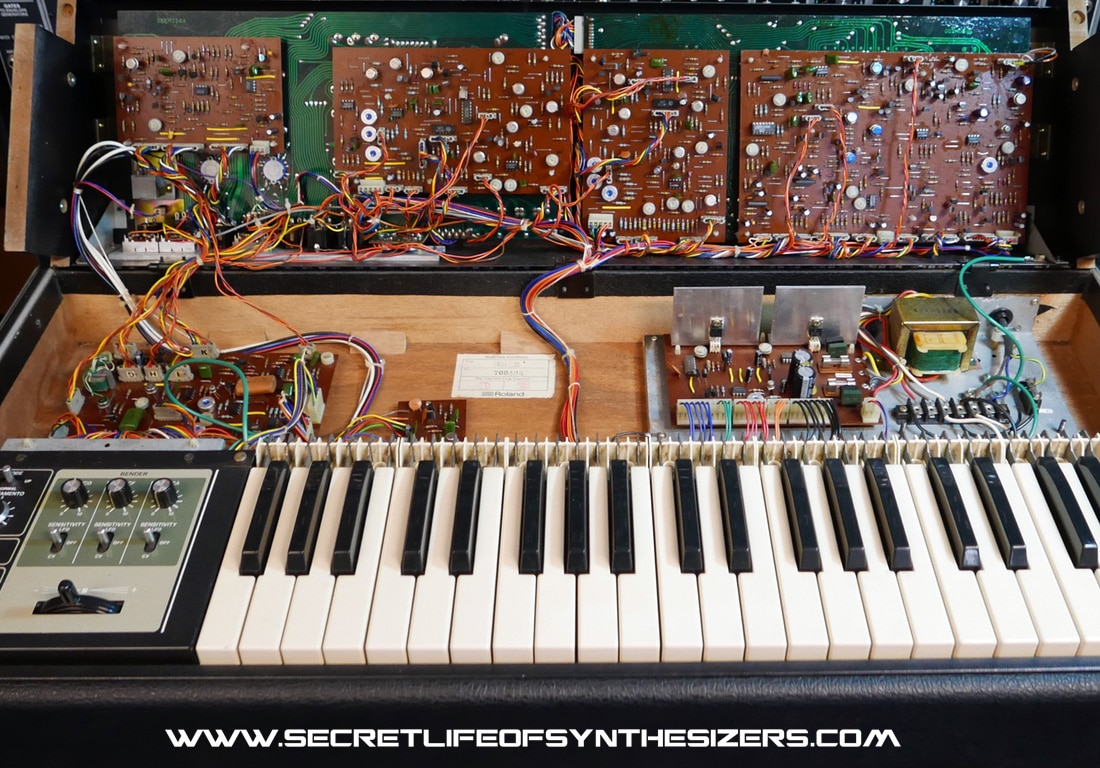 Roland SH-7 synth circuit boards