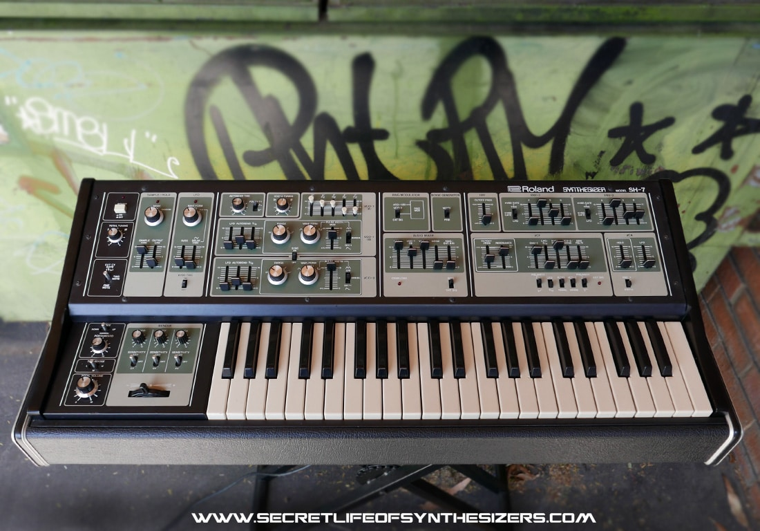 Roland SH-7 synth front panel